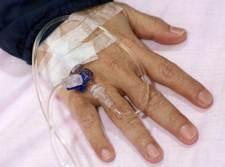 Chorzy na raka płaczą przez bałagan w NFZ
