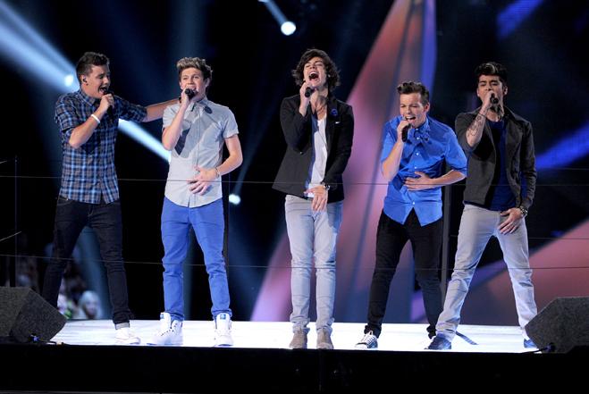 One Direction muzykują z Johnnym Deppem
