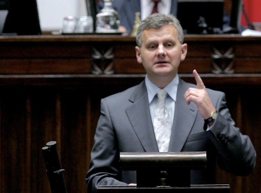 Minister Grad ujawnia, jakie chce sprzedać akcje