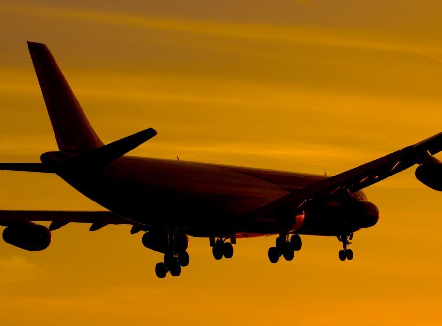 Samolot pasażerski - zdjęcie ilustracyjne