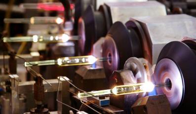 Produkcja żarówek w fabryce Philipsa