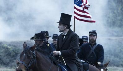 """""""Lincoln"""" – faworyt w wyścigu po Złote Globy"""