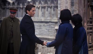 """Christian Bale w filmie """"Kwiaty wojny"""""""