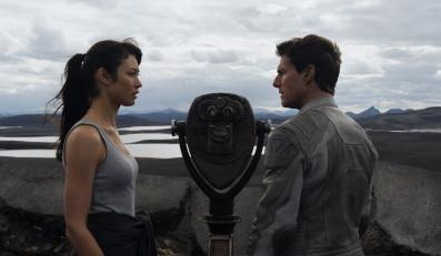 """""""Niepamięć"""" – Tom Cruise i Olga Kurylenko"""