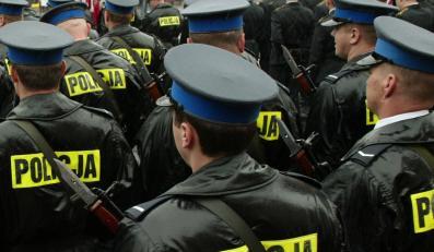 Rząd zaszachuje policyjne związki