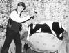 """Ashton Kutcher w szkolnym przedstawieniu """"Sklepik z horrorami"""" – 1994 rok"""