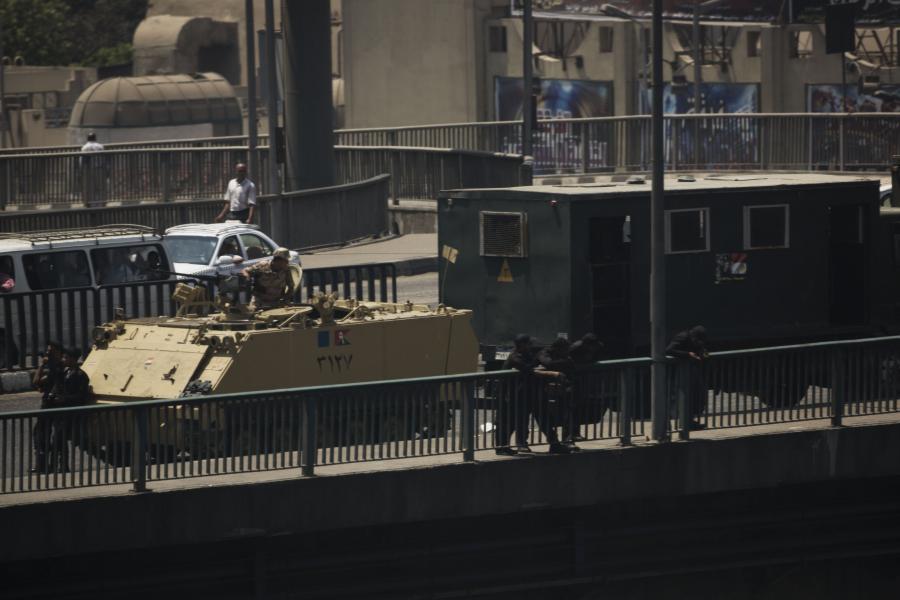 Wojsko na ulicach Kairu
