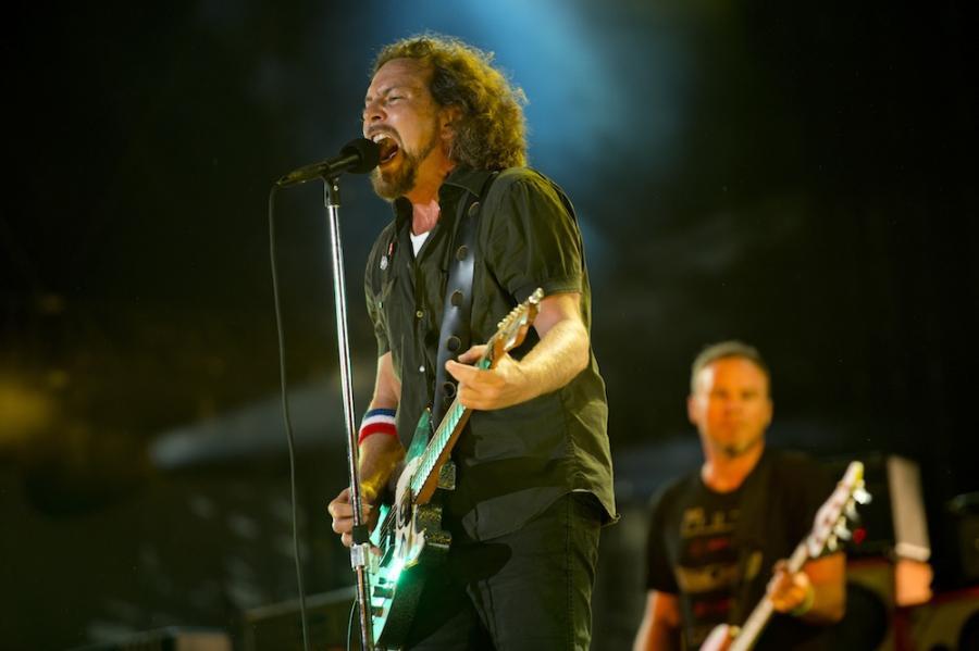 Pearl Jam przedstawia \
