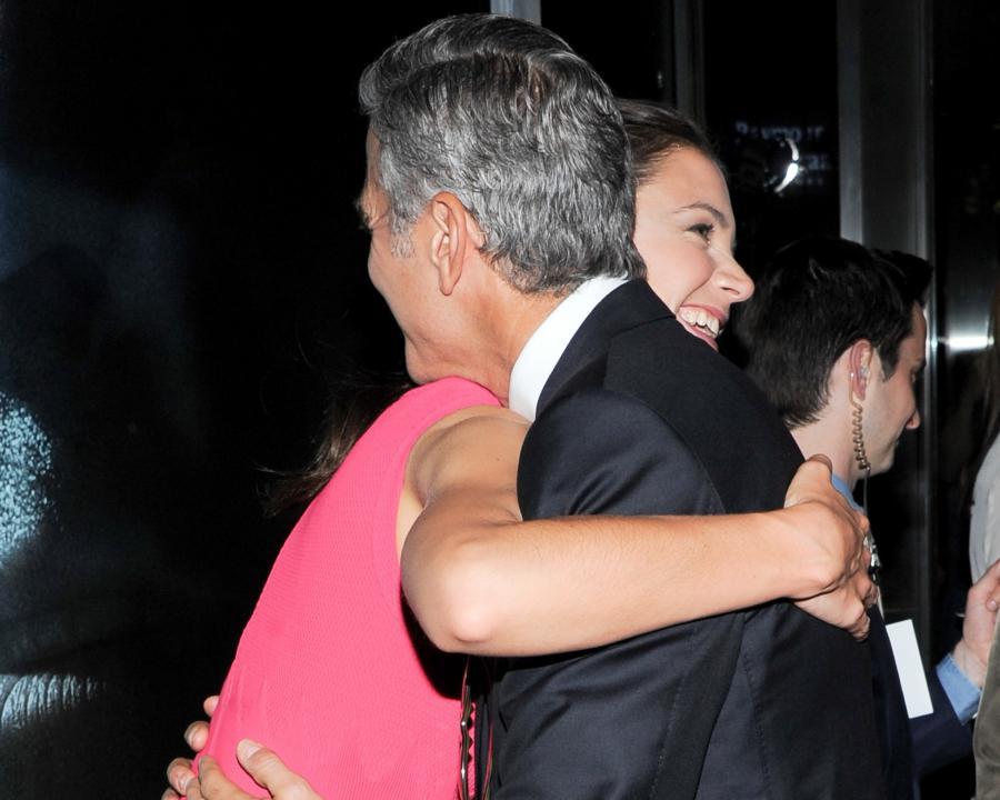 Katie Holmes chodzi na randki z George\'em Clooneyem