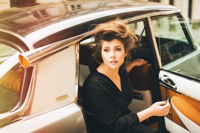 Monika Borzym na stylowych zdjęciach z sesji do nowego albumu