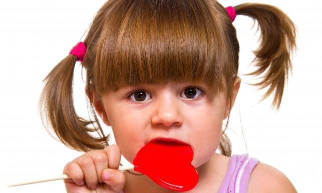 Barwniki dodawane do słodyczy często wywołują uczulenie