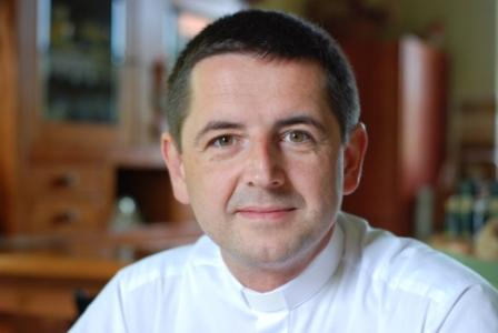 Ksiądz doktor Ireneusz Bochyński (fot. www.upanien.parafia.info.pl)