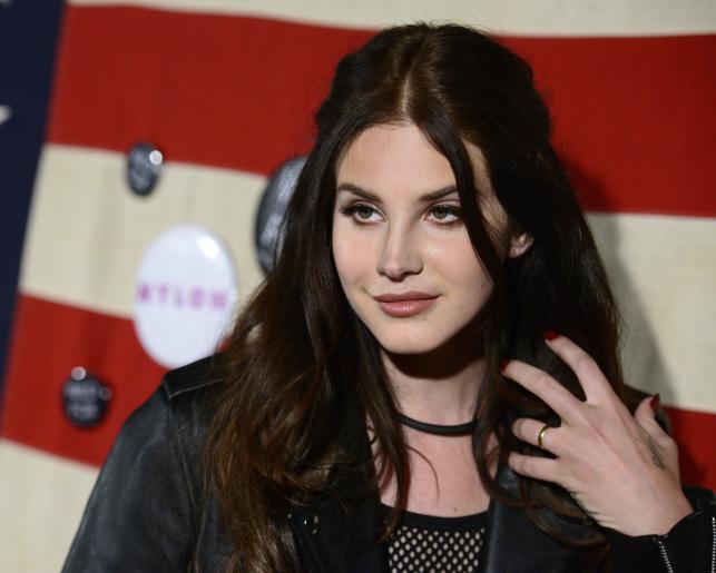 Lana Del Rey w przyszłym miesiącu zabierze w tropiki