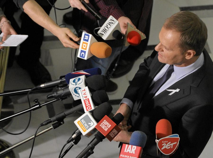 Donald Tusk odpowiada na pytania dziennikarzy