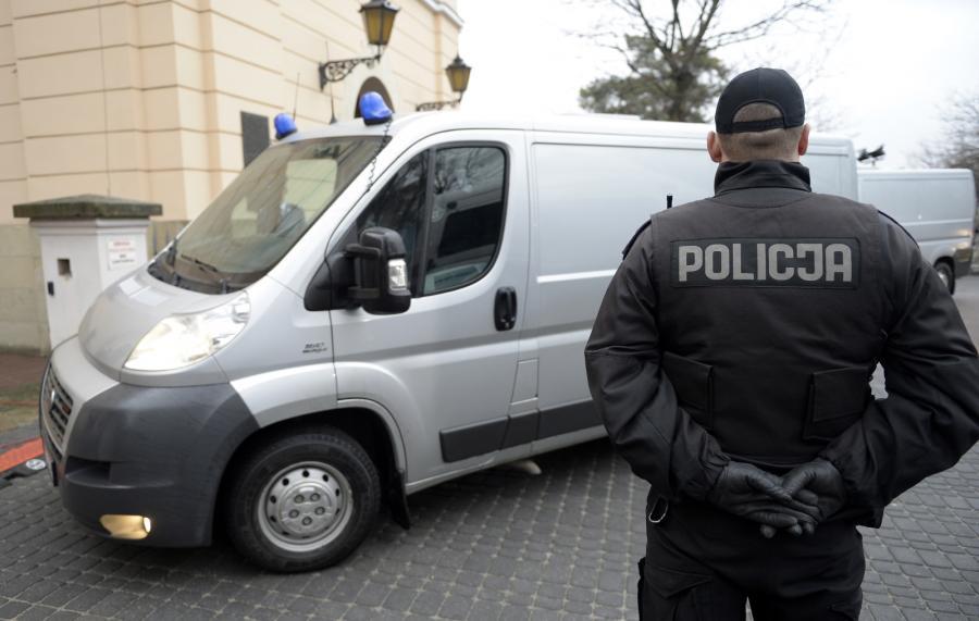 Policja przed rozprawą Mariusza Trynkiewicza