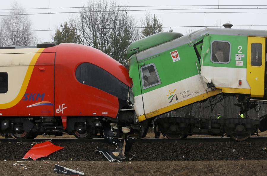 Pociąg SKM uderzył w tył pociągu Kolei Mazowieckich w okolicy stacji Warszawa-Wesoła