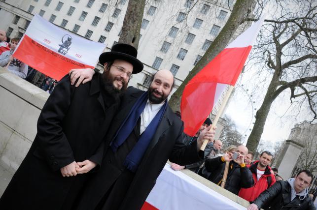Protest Polaków przed Downing Street w Londynie