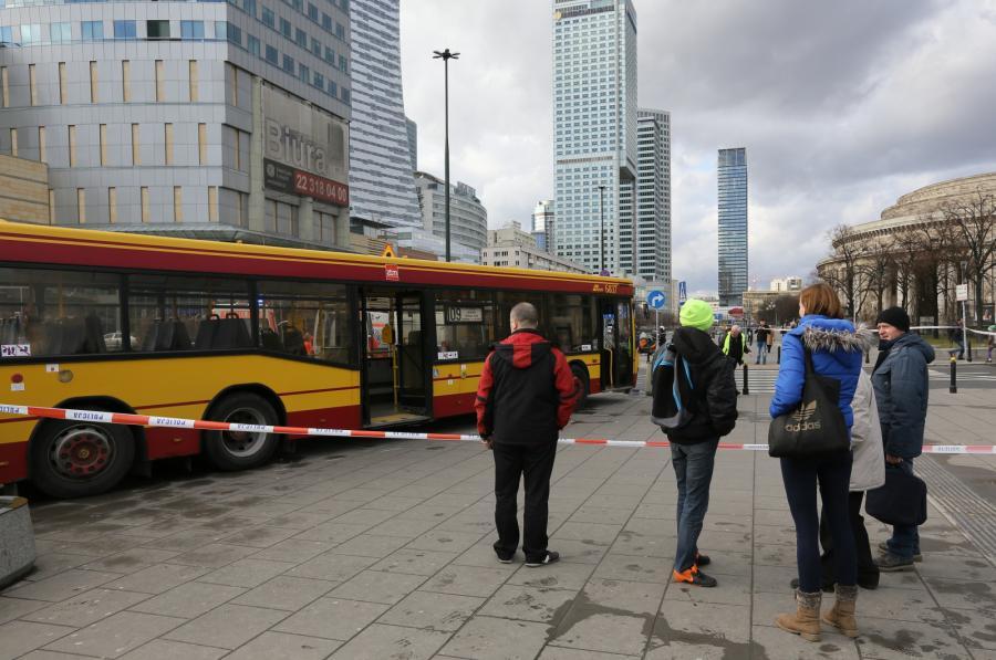Miejsce wypadku przy Dworcu Centralnym w Warszawie