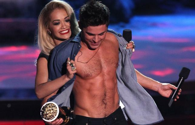 Rita Ora i Zac Efron na gali MTV Movie Awards 2014