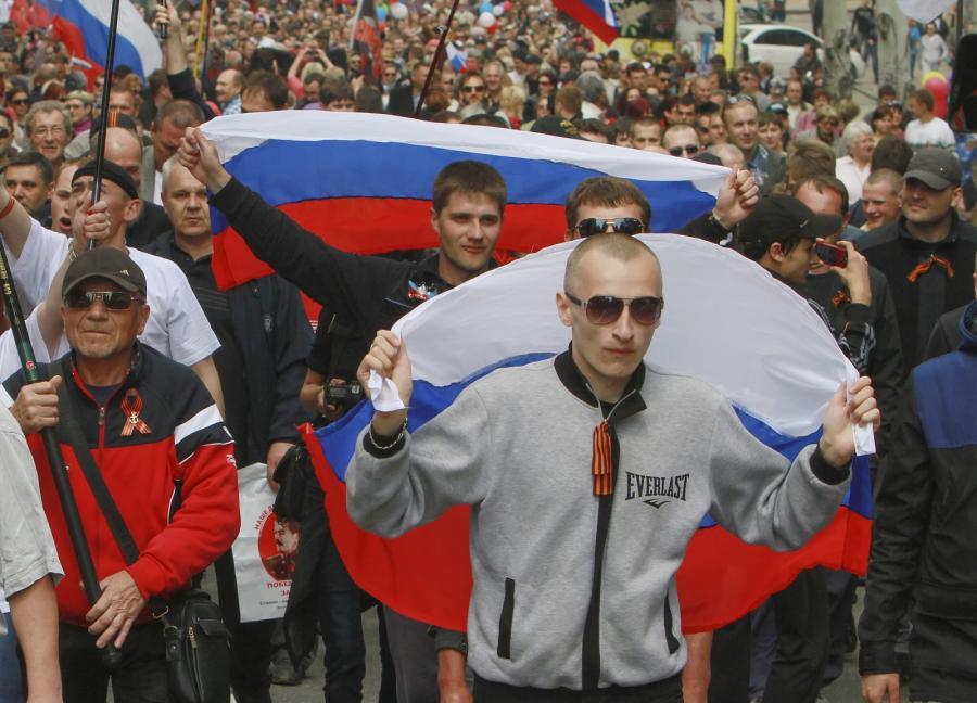 Prorosyjscy demonstranci w Doniecku