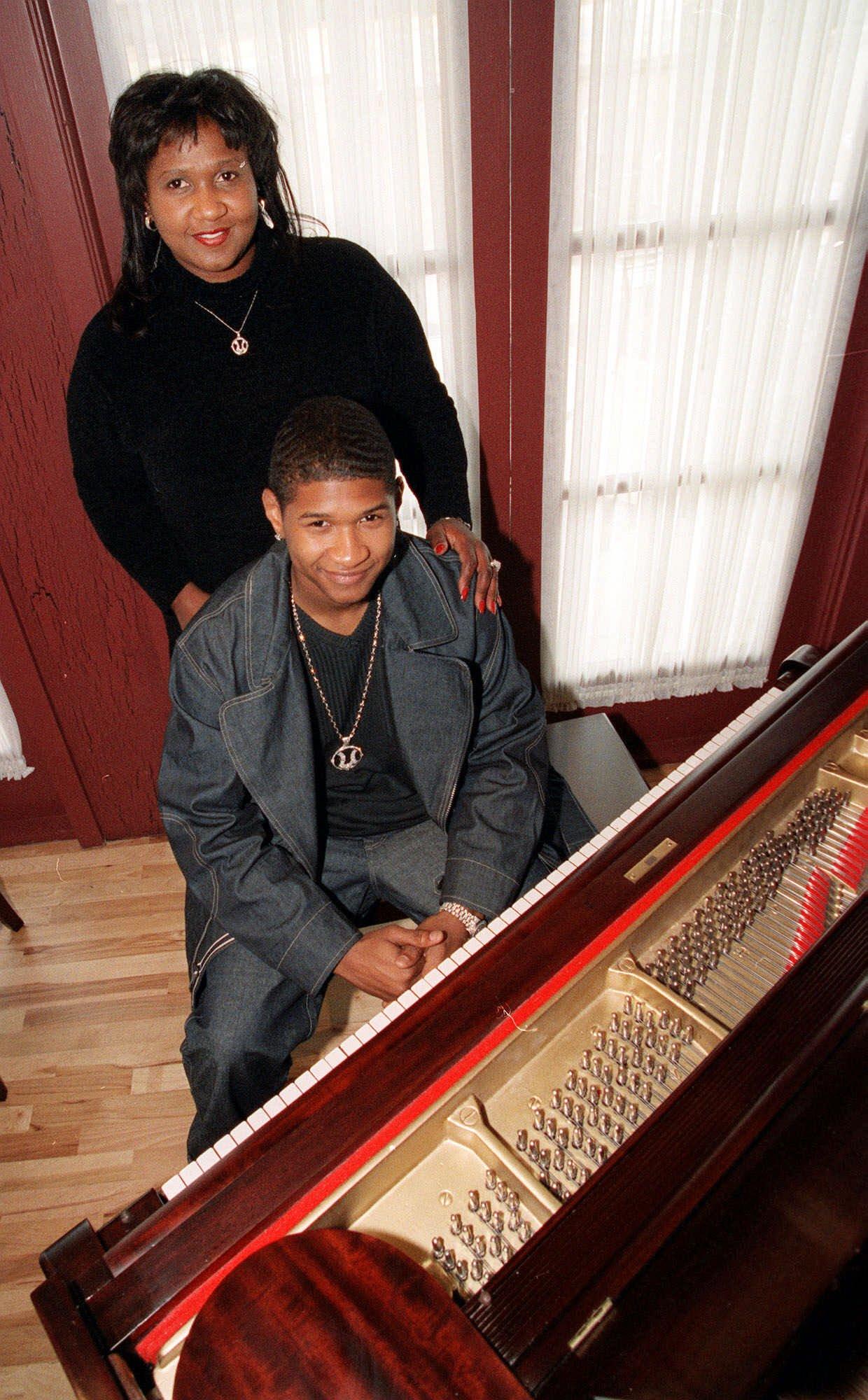 Usher ze swoją matkąi menadżerką Jonnette Patton