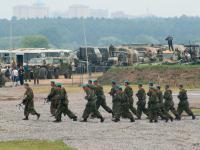 Rosyjska armia koncentruje sprzęt w pobliży granic Ukrainy