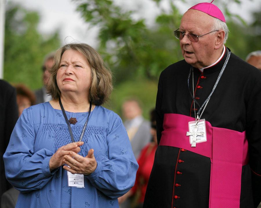 Przewodnicząca rady nadzorczej TVP Janina Goss i arcybiskup Władysław Ziółek