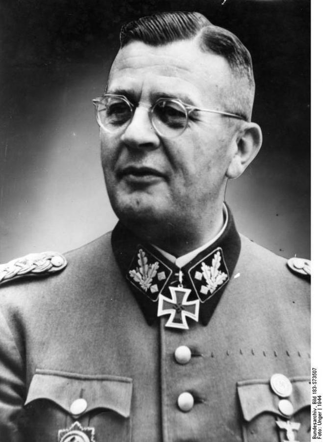 Kaci Warszawy: Erich von dem Bach-Zelewski (fot. Bundesarchiv, 183-S73507)
