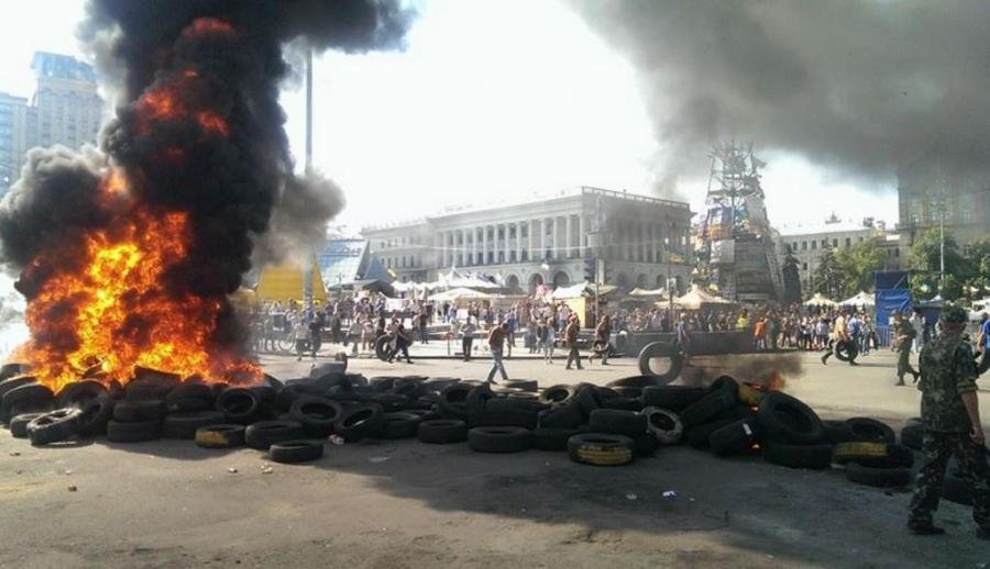 Płonące opony na Majdanie