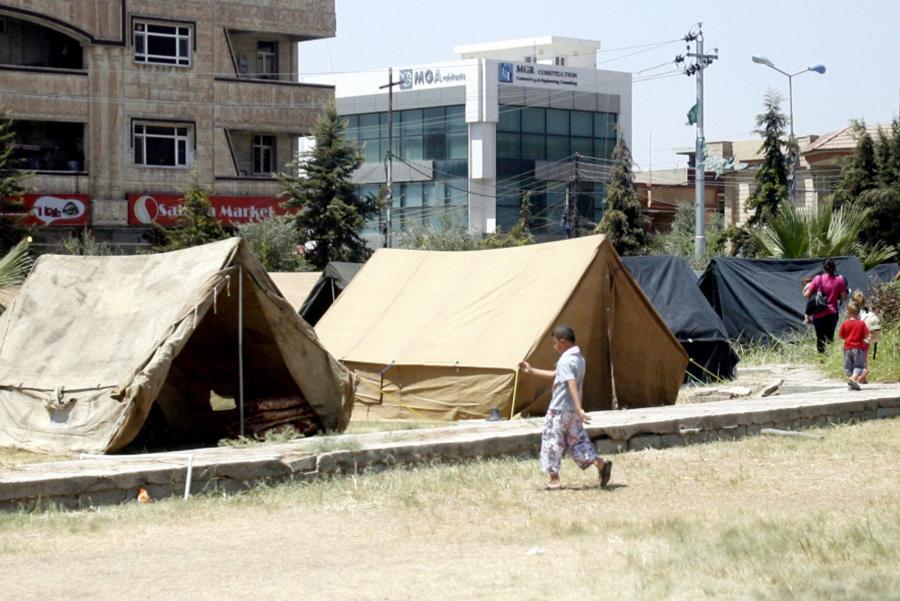Obóz tymczasowy dla Kurdów  Erbil w Iraku