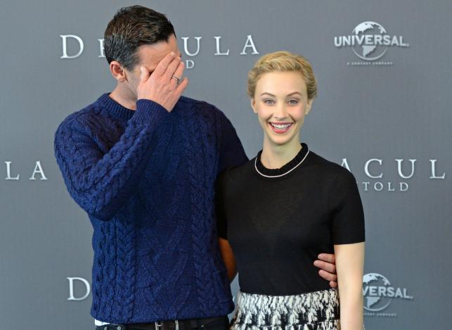 """Luke Evans i Sarah Gadon promowali """"Draculę"""" w Berlinie"""