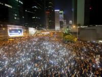 """Rewolucja """"parasoli"""" chce demokracji w Hongkongu. ZDJĘCIA"""