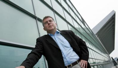 Czarnecki pisze prawdę o komisarzach UE