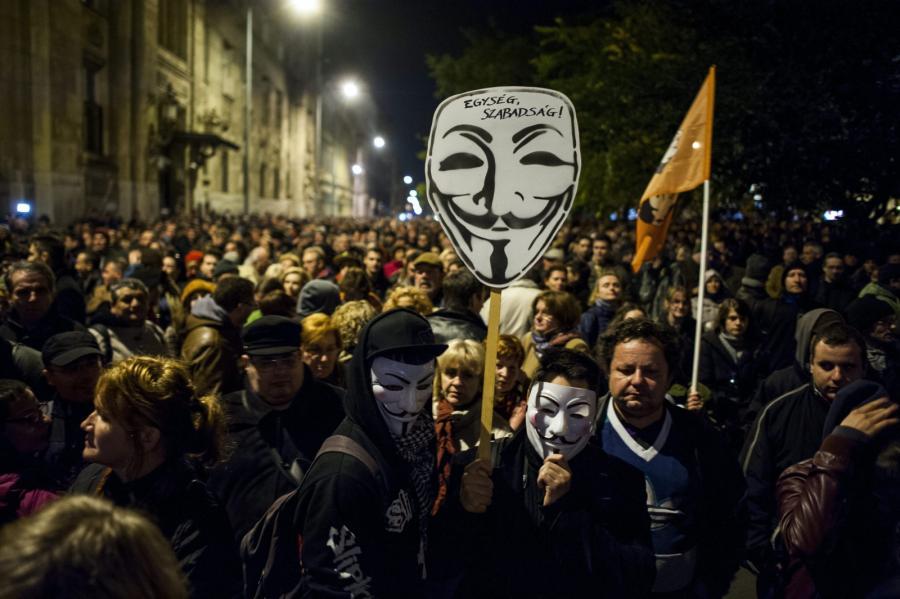 Protest na Węgrzech przeciwko wprowadzeniu podatku od internetu