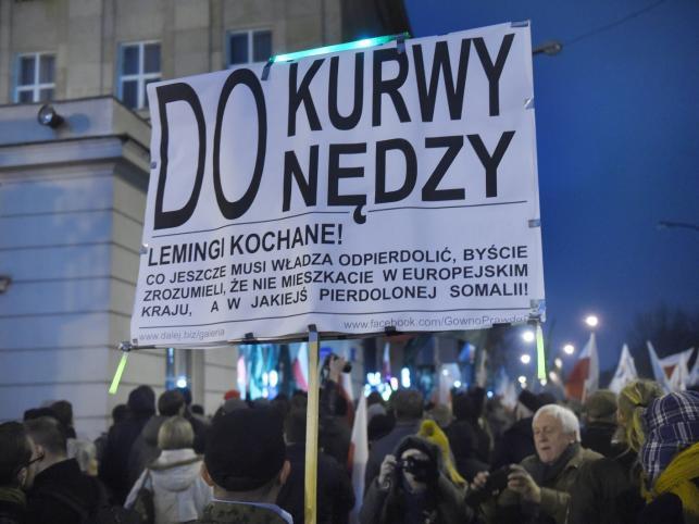 Manifestacja przed siedzibą Państwowej Komisji Wyborczej