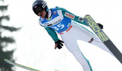 Piotr Żyła podczas zawodów Pucharu Świata w skokach narciarskich w niemieckim Klingenthal