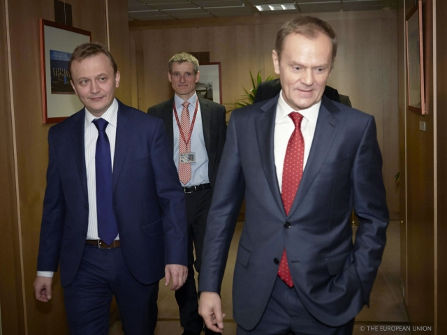Jak mieszkają politycy? Sikorski, Tusk, Wałęsa... Zobacz ZDJĘCIA