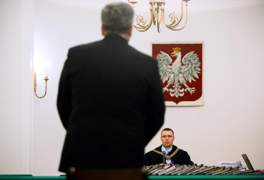 Bronisław Komorowski zeznaje w Pałacu Prezydenckim