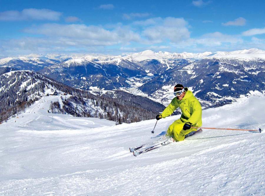 Zobacz panoramę alpejskich szczytów