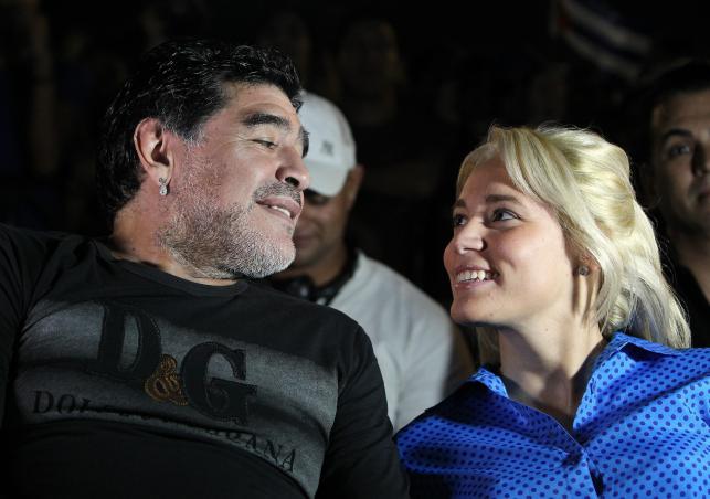 Diego Maradona zabrał swoją dziewczynę na koncert