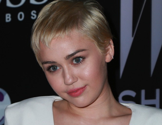 Miley Cyrus ma problemy z nazwiskiem swego chłopaka