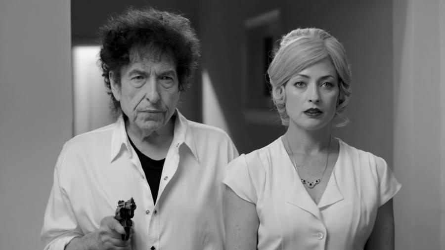 Bob Dylan z femme fatale i Robertem Davim w klipie do \