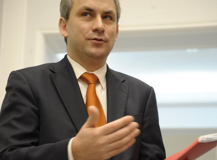 Napieralski: Rząd jest jak bokser, który prężył muskuły