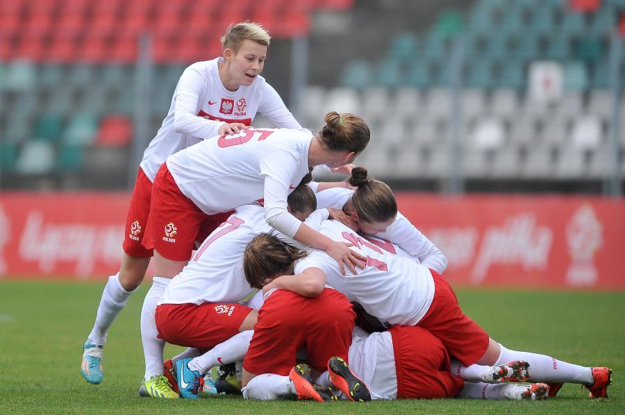 Polskie piłkarki