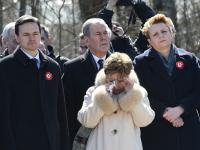 Uroczystości pod brzozą w Smoleńsku. Wicemarszałek Sejmu nie kryła łez. ZDJĘCIA