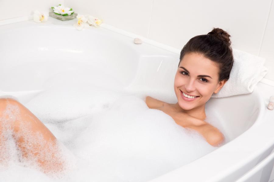 3. Gorąca kąpiel nawilża skórę