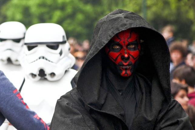 """Dzień """"Gwiezdnych wojen"""" – parada fanów sagi w Mediolanie"""