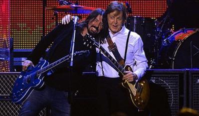 Paul McCartney i Dave Grohl razem na scenie