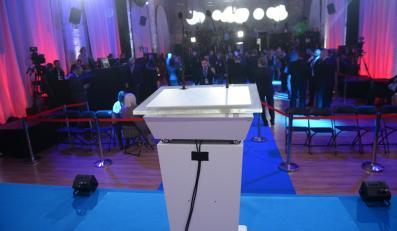 Przygotowania do wieczoru wyborczego w sztabie kandydata PiS
