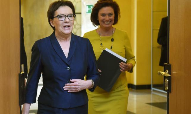 Premier Ewa Kopacz i rzeczniczka rządu Małgorzata Kidawa-Błońska
